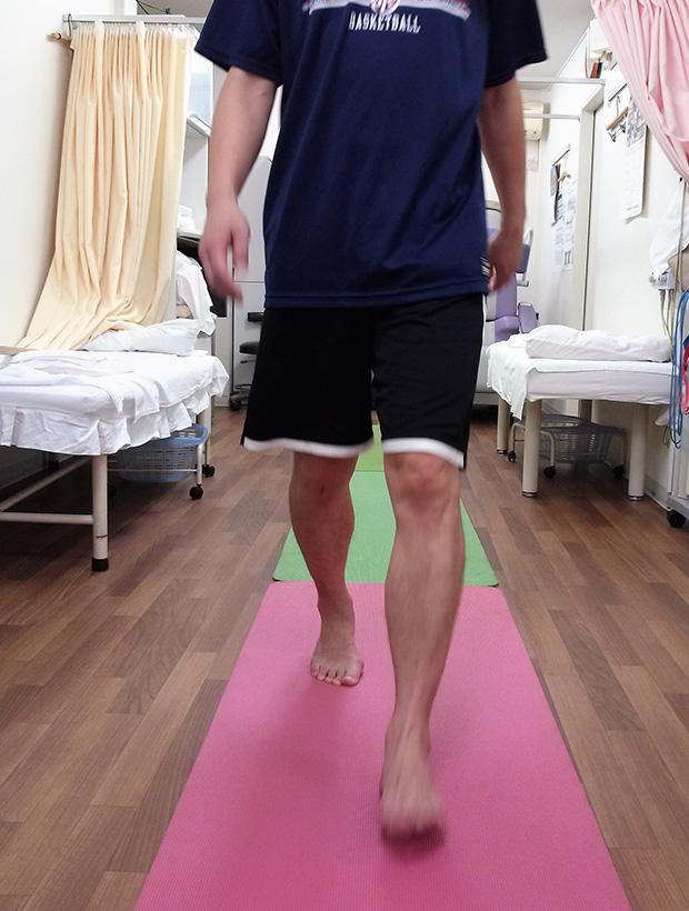 足底板歩行評価
