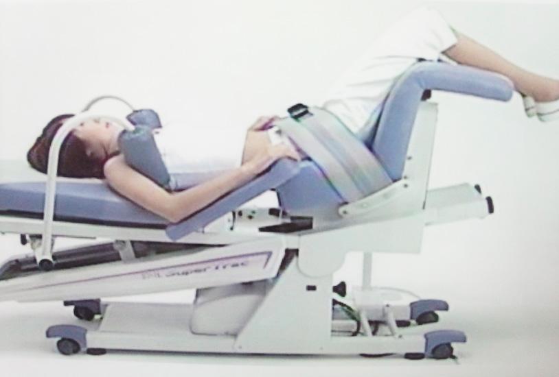 腰椎の牽引治療器